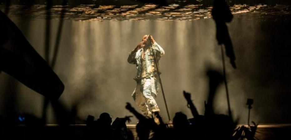 Kanye West – All Day (Glastonbury 2015)
