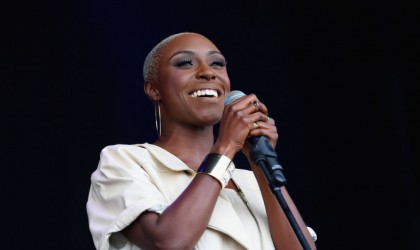 "Laura Mvula – ""Phenomenal Woman"""